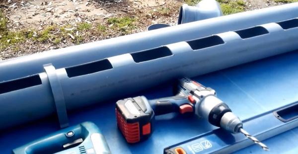 Кормушка для кур из канализационной трубы своими руками. Фото